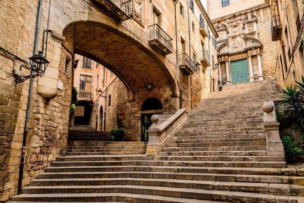 Girona, Spanje - Girona ontdekken als een local| Corallium - Reisbureau Lennik en Gooik